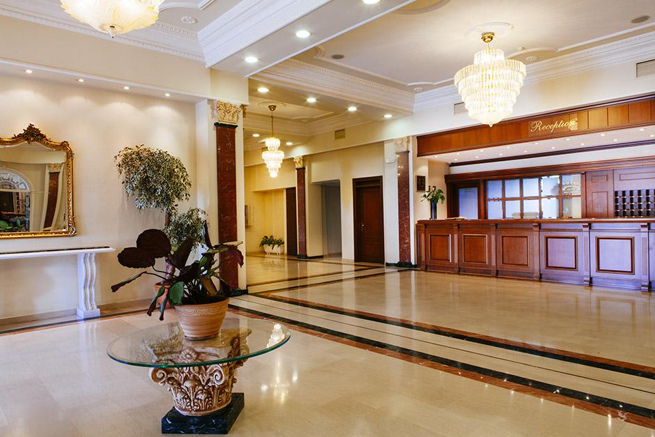Αιγές Μέλαθρον Hotel